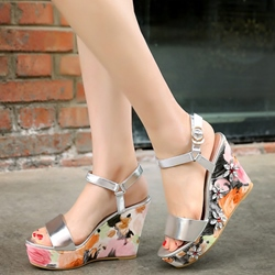 Shoespie Delicate Flora Decorated Wedge Sandals