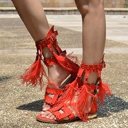 Shoespie Design Gorgeous Feather Flat Sandals