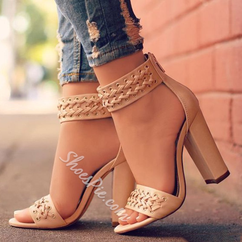 Shoespie Braides Decorated Chunky Heel Sandals