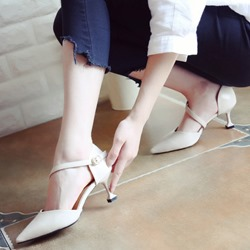 Shoespie Pointed Lace-up Shallow mouth Metal Buckles Low Heels