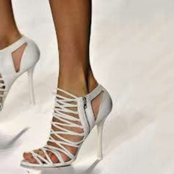 Shoespie White Strappy Side Zipped Stiletto Heel Sandals