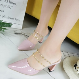 Shoespie Princess Rivets Pointed-Toe Backless Low Heels