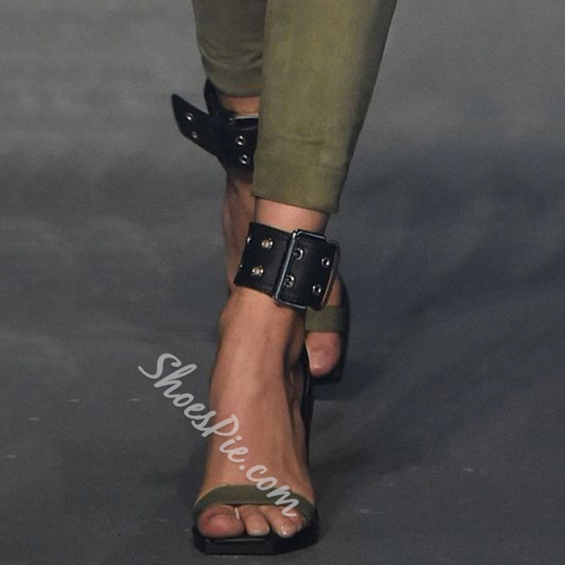 Shoespie Wide Buckles Strap Wrap Sandals