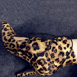 Shoespie Sexy Pointed-toe Leopard Print Ankle Boots