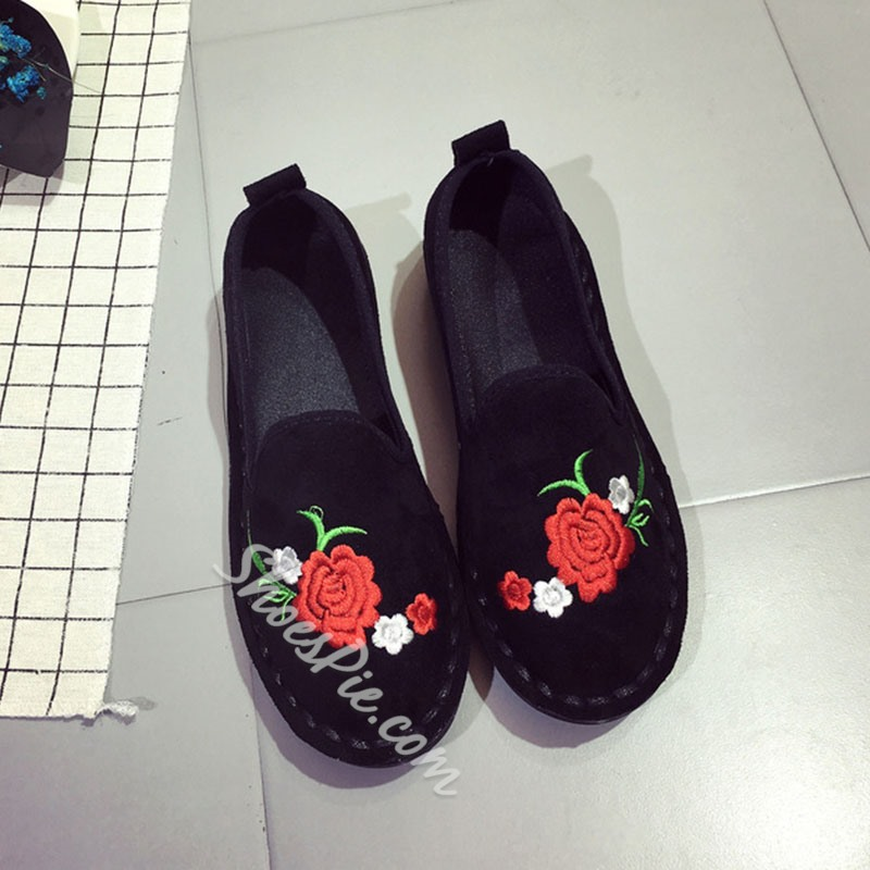 Shoespie Black Floral Embroidery Loafers