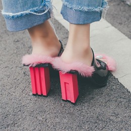 Shoespie Unique Pink Flossy Pad Chunky Heel Mules