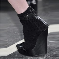 Shoespie Black Platform High-Cut Upper Wedge Heels
