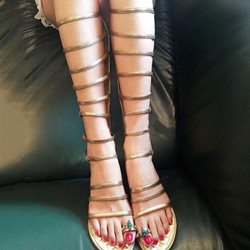 Shoespie High Shaft Strappy Gladiator Sandals with Jeweled Clip Toe