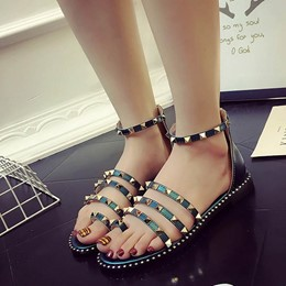 Shoespie Square Rivets Flat Sandals