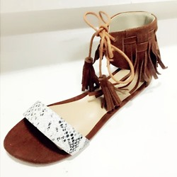 Shoespie Ankle Fringes Front Lace Up Flat Sandals