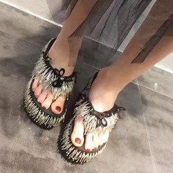 Shoespie Beading Fringes Thong Wedge Slippers