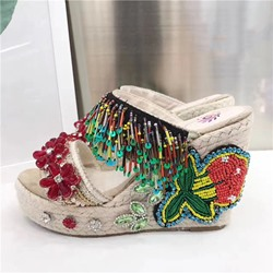 Shoespie Exotic Beading Wedge Slippers