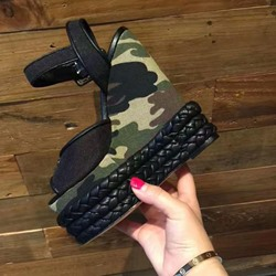 Sheospie Camo Platform Wedge Sandals