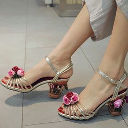 Shoespie Flowers Cutout Heel Sandals