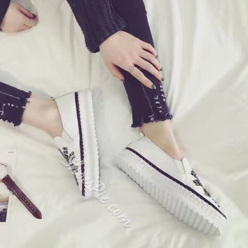 Shoespie Rivets Vintage Trendy Sneaker