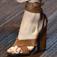 Shoespie Strappy Chunky Heel Sandals