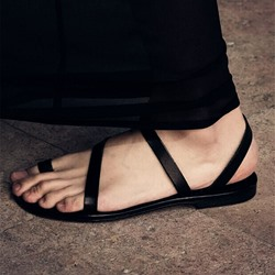 Shoespie Normcore Strappy Flat Sandals