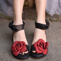 Shoespie Ankle Strap Flowers Flat Sandals