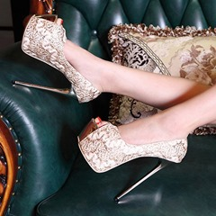 Shoespie Luxurious Lace Peep-toe Platform Heels