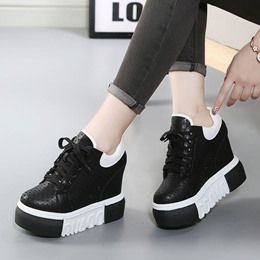Shoespie Breathable Hidden Wedge Sneaker