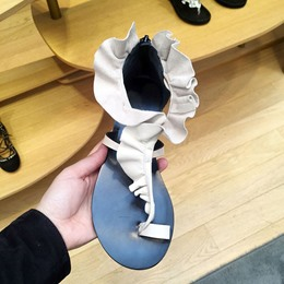 Shoespie Cute Frills Clip Toe Flat Sandals