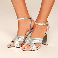 Shoespie Threading Cross Strappy Sandals