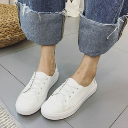 Shoespie White Round Toe Lace-up Sneaker