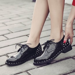 Shoespie Black Rivet Lace-up Sneaker