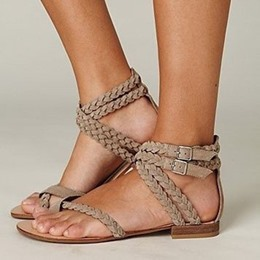 Shoespie Woven Buckle Toe Ring Flat Sandals