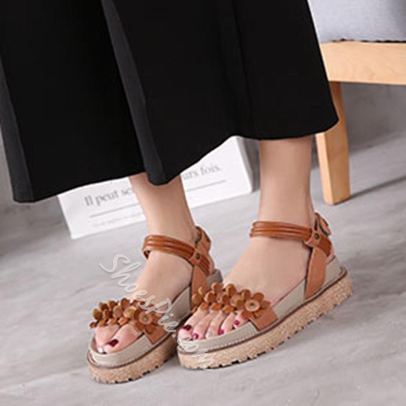 Shoespie Rivet Appliques Ankle Strap Velcro Platform Gladiator Sandals