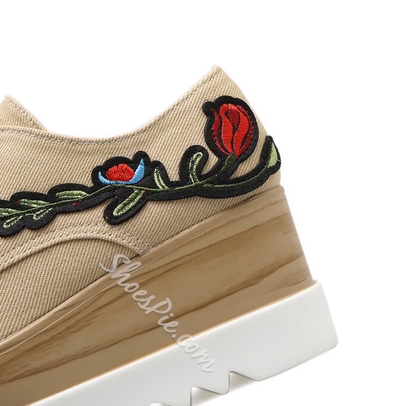 Shoespie Low-Cut Upper Embroidery Platform Lace-Up Sneaker