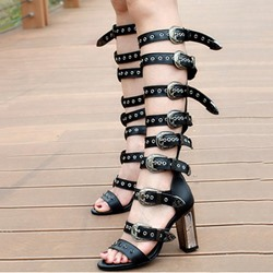 Shoespie Chunky Heel Buckle Rivet Sandals