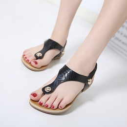 Strappy Casual Rivet Flat Sandals