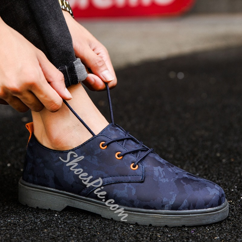 Round Toe Lace-Up Men's Skate Sneakers