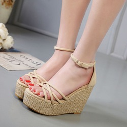 Line-Style Buckle Plain Wedge Heels