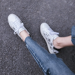 Lace-Up Star Women's Casual Shoes