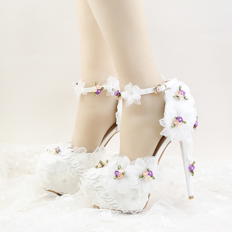 Line-Style Buckle Floral Wedding Shoes