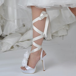 White Ribbon Appliques Lace-Up Wedding Shoes