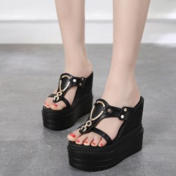 Sexy Black Toe Ring Metal Decorated Wedge Sandals