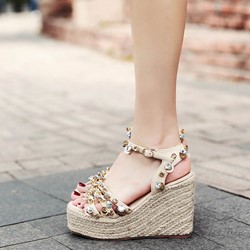Shoespie Rhinestone Decorated Line-Style Buckle Wedge Sandals
