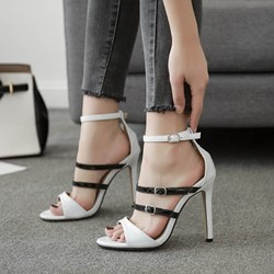 Shoespie Black & White Buckle Stiletto Heels