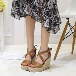 Shoespie Peep Toe Heel Covering Buckle Wedge Sandals