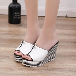 Shoespie Black & White Beads Wedge Heel