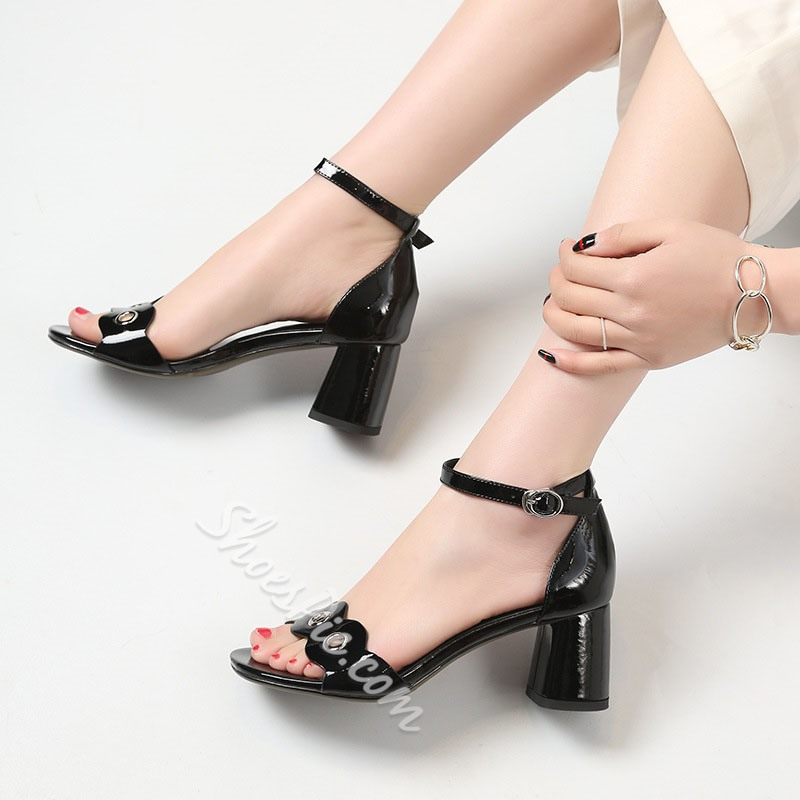 Shoespie Line-Style Buckle Chunky Heel Sandals