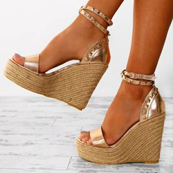 Shoespie Golden Rivet Open Toe Wedge Sandals