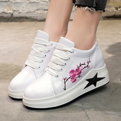 Shoespie Floral Embroidery Round Toe Wedge Sneakers