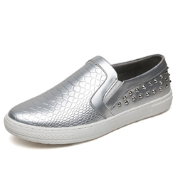 Rivet Round Toe Slip-On Casual Men's Shoes