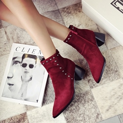Shoespie Plain Rivet Pointed Toe Ankle Boots