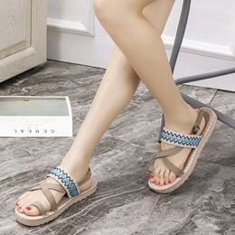 Embroidery Buckle Toe Ring Slipper