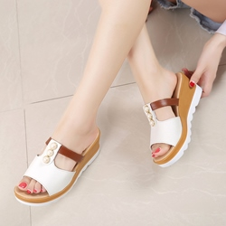 Beads Slip-On Wedge Sandals